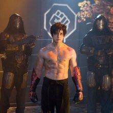 Jon Foo (al centro) in una scena del filmTekken (2010)