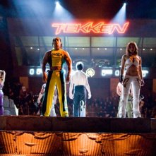 Una luminosa sequenza del filmTekken del 2010
