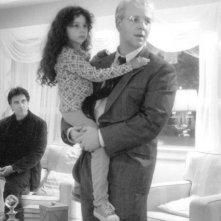 Al Pacino, Hallie Kate Eisenberg e Russell Crowe nel film Insider - Dietro la verità di Michael Mann