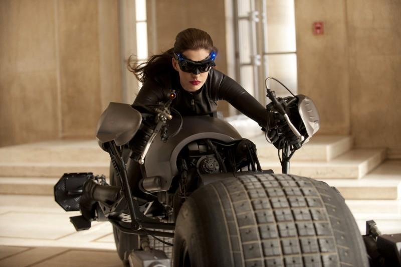 Prima Foto Di Anne Hathaway Nei Panni Di Selina Kyle Catwoman In The Dark Knight Rises 211046