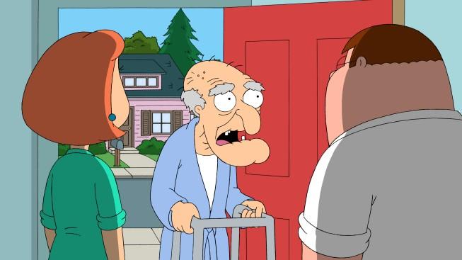Lois Peter E Herbert In Una Scena Dell Episodio German Guy De I Griffin 211118