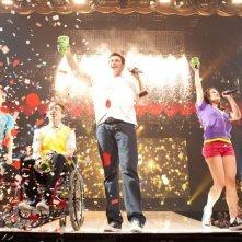 Kevin McHale, Cory Monteith e Lea Michele in una scena di Glee 3D
