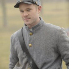 Aaron Ashmore nell'episodio Queen for a Day di Warehouse 13