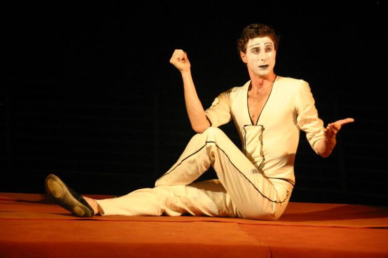 Adriano Braidotti A Sperlonga In Scena Con Monsieur Biridot 5 Agosto 2011 211352