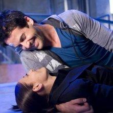 Colin Ferguson ed Erica Cerra nell'episodio Glimpse di Eureka