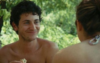 Giacomo Zulian in una scena de L'estate di Giacomo