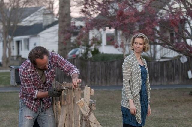 John Benjamin Hickey E Cynthia Nixon In Una Scena Dell Episodio Losing Patients Di The Big C 211313