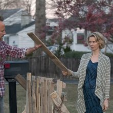 John Benjamin Hickey e Cynthia Nixon nell'episodio Losing Patients di The Big C
