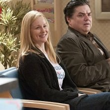 Laura Linney ed Oliver Platt nell'episodio Boo! di The Big C