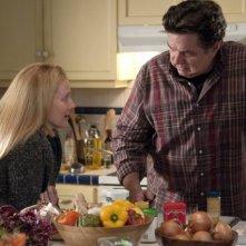 Laura Linney ed Oliver Platt nell'episodio Sexual Healing di The Big C
