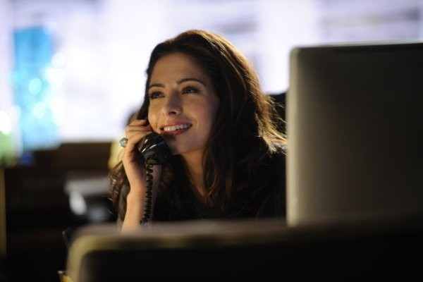 Sarah Shahi Nell Episodio Benched Di Fairly Legal 211260