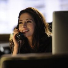 Sarah Shahi nell'episodio Benched di Fairly Legal
