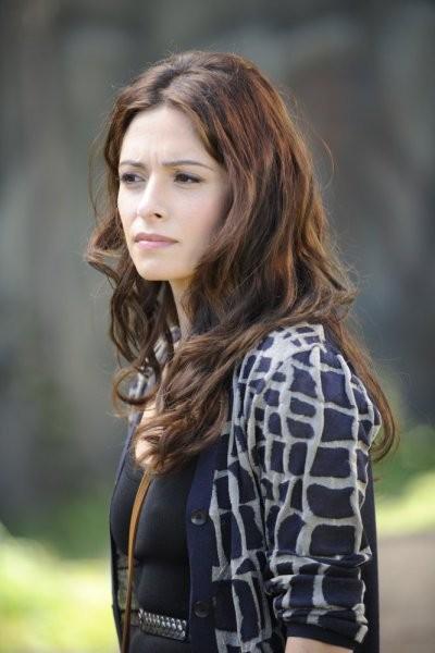 Sarah Shahi Nell Episodio Priceless Di Fairly Legal 211279