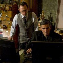 James Caviezel e Michael Emerson nel pilot di Person of Interest