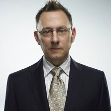 Michael Emerson in una foto promozionale di Person of Interest