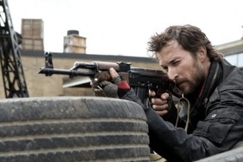 Noah Wyle nell'episodio Eight Hours di Falling Skies