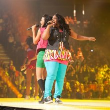 Naya Rivera e Amber Riley in Glee: The 3D Concert Movie