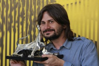 Adrian Sitaru, regista di Best Intentions, mostra il Pardo d'oro per la miglior regia a Locarno 2011