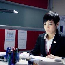 Denise Ho di fronte al computer in una scena di Life Without Principle