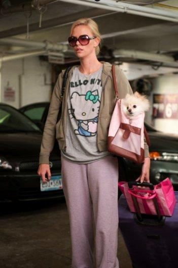 Ecco Charlize Theron nella prima immagine della commedia amara Young Adult