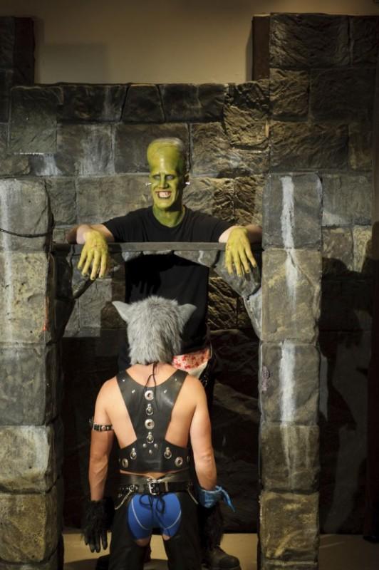 Frankenstein John Desantis E L Uomo Lupo Ryan Steele In Versione Hot Nella Parodia Horror Movie 211691