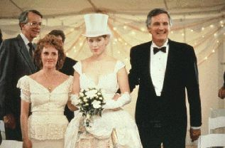 Molly Ringwald E Alan Alda In Una Scena De Il Matrimonio Di Betsy 211775