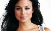 Nathalie Kelley al volante in Body of Proof