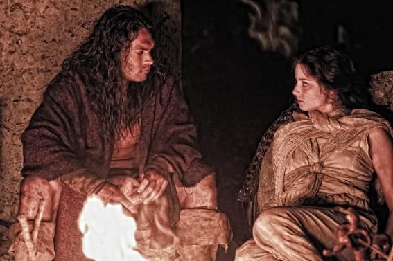 Rachel Nichols Accanto A Jason Momoa Nel Film Conan The Barbarian 211756