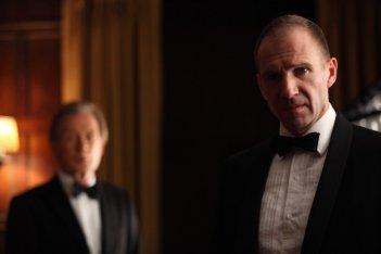 Bill Nighy e Ralph Fiennes in un'immagine di Page Eight