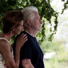 Carole Bouquet accanto ad Andrè Dussolier nel film Impardonnables
