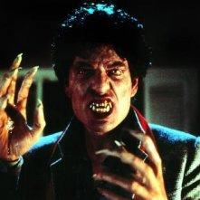 Chris Sarandon in una scena di Ammazzavampiri