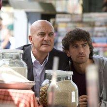 Claudio Bisio e Alessandro Siani in una scena di Benvenuti al Nord