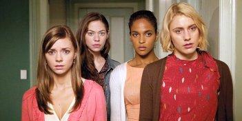 Greta Gerwig, Megalyn Echikunwoke, Carrie MacLemore e Analeigh Tipton in una scena di Damsels in Distress