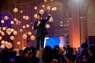 Josh Duhamel in una scena di New Year's Eve