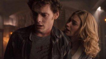 Anton Yelchin e Imogen Poots nel film Fright Night