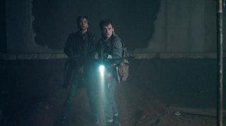 David Tennant con Anton Yelchin in Fright Night - il vampiro della porta accanto