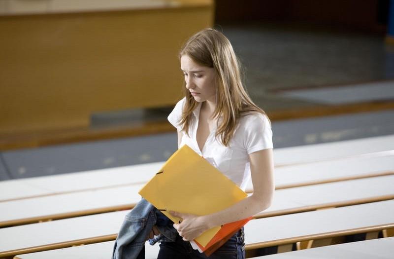 Deborah Francois Si Reca A Lezione In Student Services 212046
