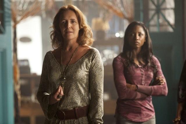 Fiona Shaw E Rutina Wesley Nell Episodio Cold Grey Light Of Dawn Di True Blood 212018