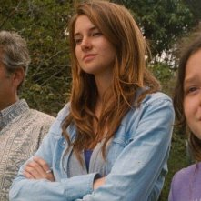 George Clooney, Shailene Woodley e Amara Miller in The Descendants