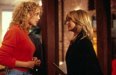 Goldie Hawn ed Elizabeth Berkley ne Il club delle prime mogli