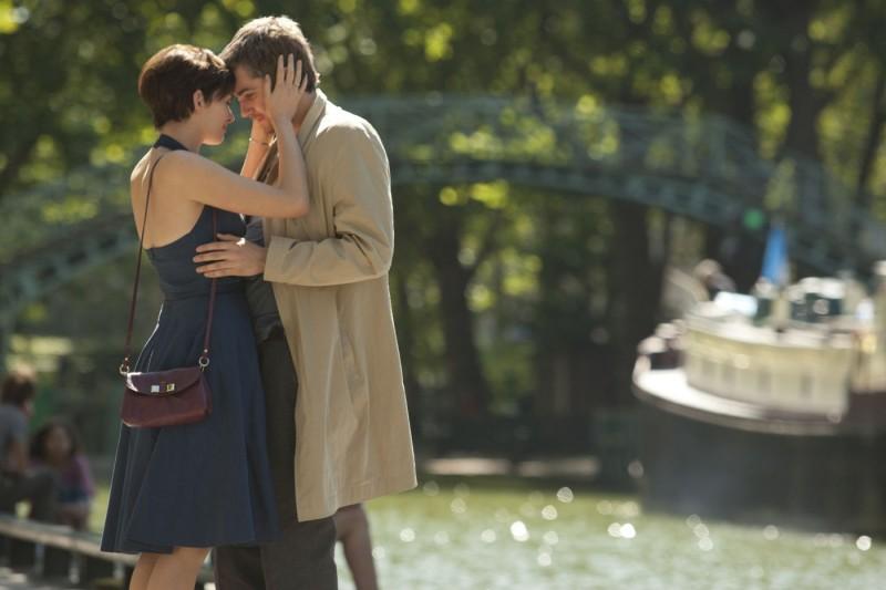 Jim Sturgess E Anne Hathaway In Una Sequenza Del Romantico One Day 211973
