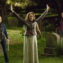 Lauren Bowles, Fiona Shaw e Rutina Wesley nell'episodio Spellbound di True Blood