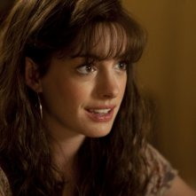 Un'incantevole Anne Hathaway in una scena di One Day