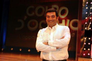 Max Giusti è il conduttore del game-show Colpo d'occhio - l'apparenza inganna