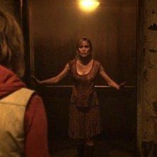 Silent Hill: Revelation 3D, una scena con Radha Mitchell