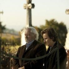 Lorànt Deutsch e Niels Arestrup in una scena drammatica di Tu seras mon fils