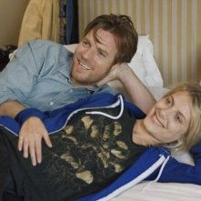 Ewan McGregor e Melanie Laurent in una scena di Beginners