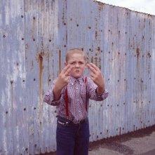 Thomas Turgoose è un teenager arrabbiato nel film This is England