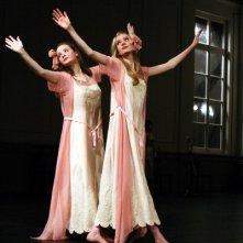 Un'immagine dei ballerini di Pina Bausch tratta dal documentario Dancing Dreams - Sui passi di Pina Bausch