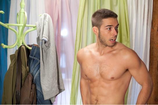 Alex Barahona In Una Sequenza Sexy Di Lo Contrario Al Amor 212429